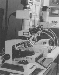 A photomicroscope, one of the many modern variations of the simple microscope.