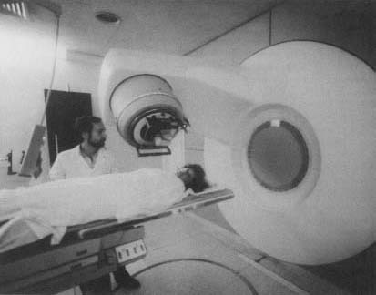 A patient receives radiation therapy. The method of radiotherapy familiar to most people is X-ray treatment. X-ray radiation, however, can only show dense materials such as bone.